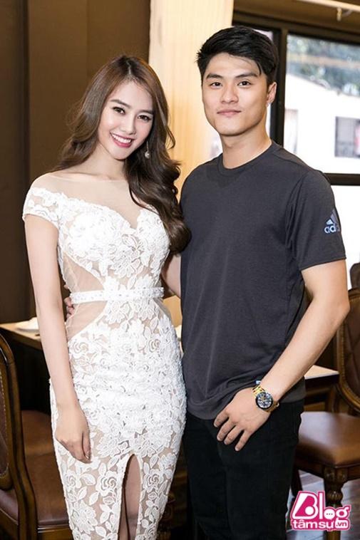Giữa tin đồn chia tay của Linh Chi và Lâm Vinh Hải, Hari Won bất ngờ có hành động choáng
