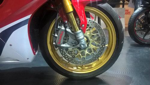 Ngắm mãi không chán Honda CBR1000RR Fireblade SP