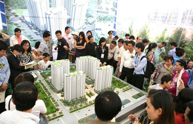 """Khối ngoại ồ ạt """"đánh chiếm"""", thị trường địa ốc sẽ ra sao?"""