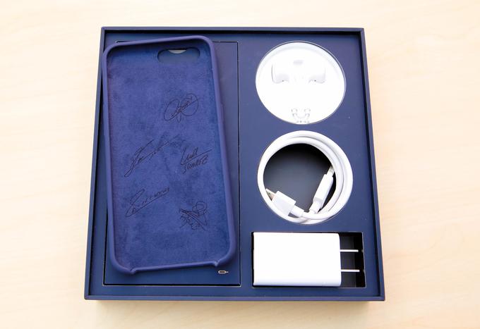 Oppo R11 phiên bản đặc biệt đầu tiên trên thế giới