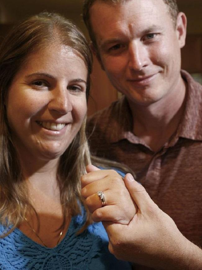 Đến Italy du lịch, cặp vợ chồng không ngờ tìm lại được báu vật đánh rơi 9 năm trước