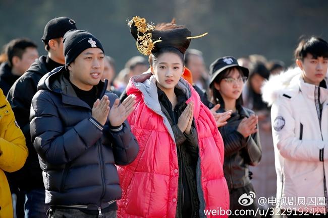 Những búi tóc khổng lồ bị chê tơi tả của mỹ nhân Hoa