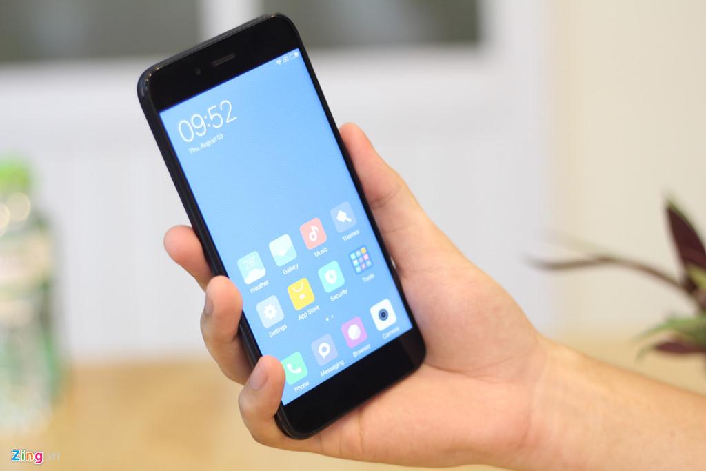 Smartphone camera kép giá 5 triệu của Xiaomi về VN