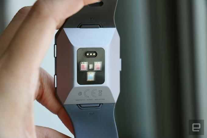 Fitbit Ionic, đối thủ mới của Apple Watch