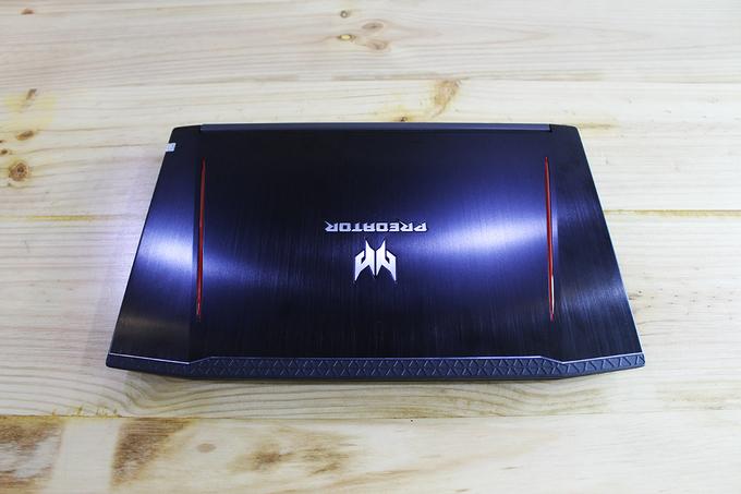Laptop chơi game cấu hình khủng giá 28 triệu đồng của Acer