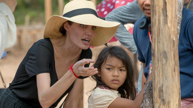 Phim dùng tiền dụ trẻ em của Angelina Jolie tung video đầu tiên