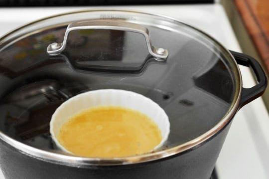 [Chế biến] - Trứng hấp cho bữa sáng đơn giản mà giàu năng lượng