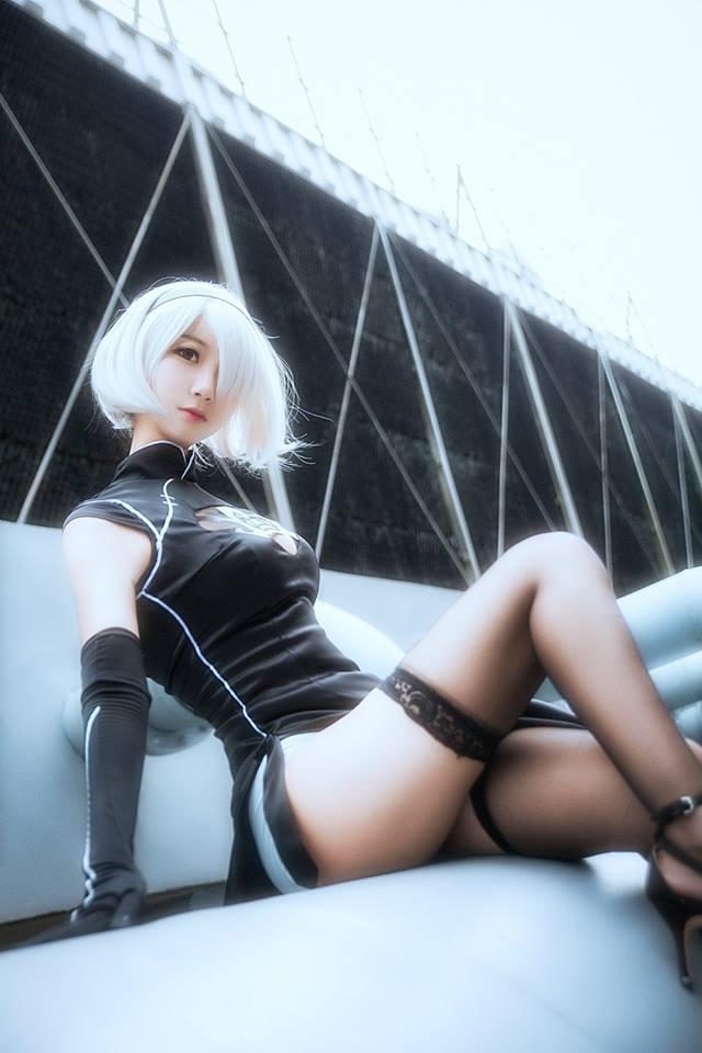 Chảy máu mũi với cosplay Nier: Automata cực gợi cảm