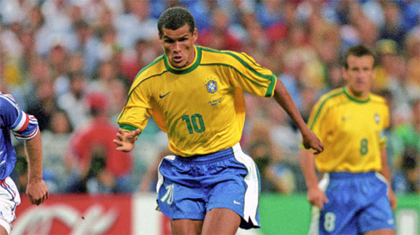 Rivaldo Europe Legend: Nghệ thuật samba trong FIFA Online 3