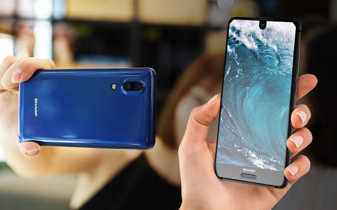 Sharp ra mắt smartphone tràn viền, camera giống iPhone 8