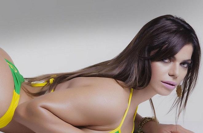 Nàng Hoa hậu Siêu vòng 3 Brazil nguyện cởi đồ vì cuồng yêu Messi
