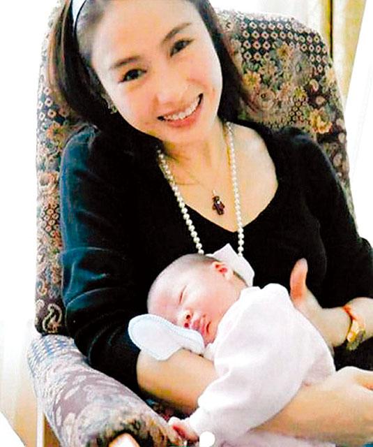 Gia thế khủng của tỷ phú khuyết tật thu phục đệ nhất mỹ nữ TVB