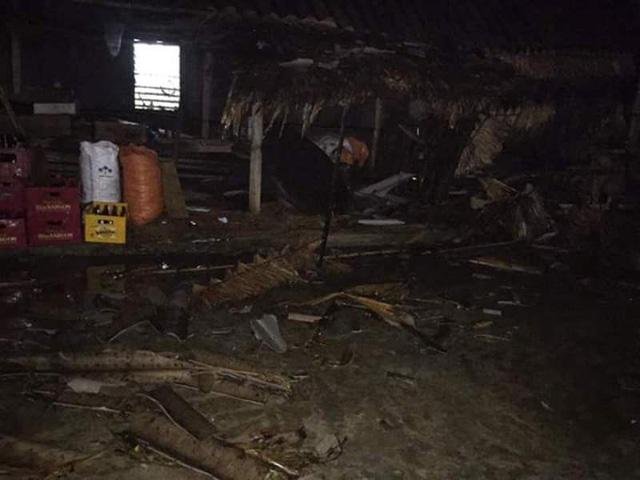 Lốc xoáy 10 phút, hơn 120 ngôi nhà hư hỏng