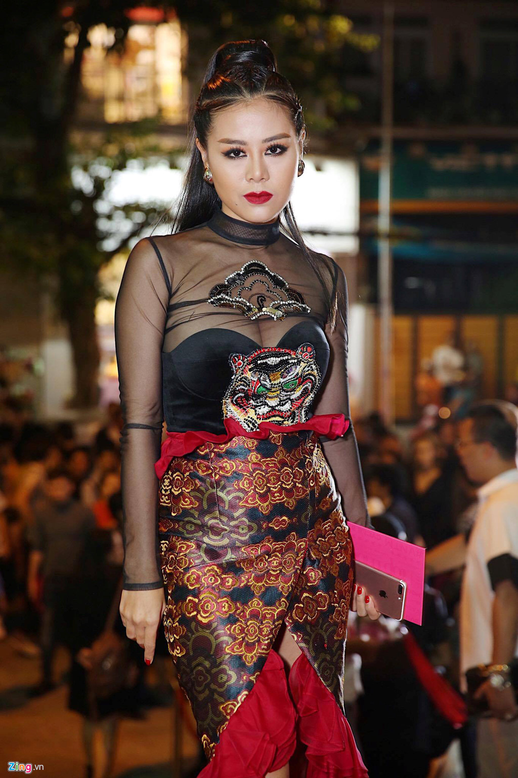 Phương Trinh Jolie, Hương Ly vào nhóm sao mặc xấu