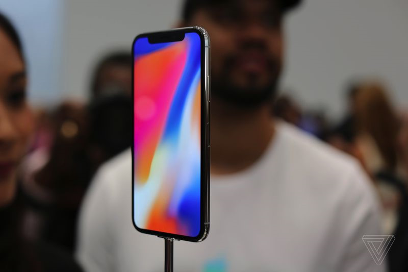 Ảnh thực tế iPhone X: Smartphone của tương lai