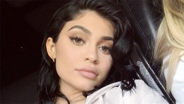 Đôi môi cong đầy gợi cảm của Kylie Jenner