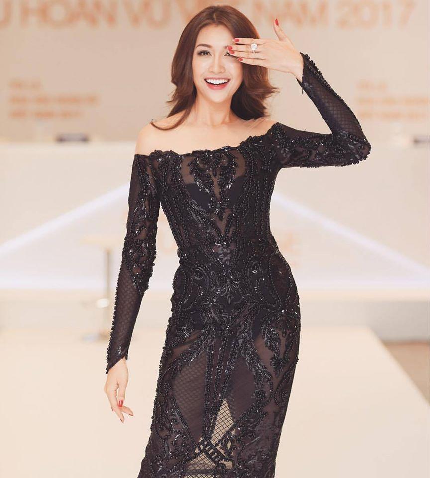 Huyền My mặc mỏng tang vẫn thua Angela Phương Trinh trên top ĐẸP
