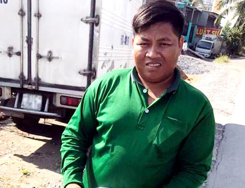 Ngăn gã tâm thần quậy, nam cảnh sát TP HCM bị đâm