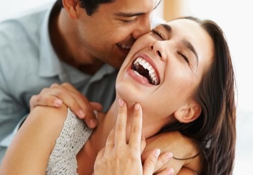 Tại sao đàn ông lại yêu chết mê chết mệt những cô vợ… có mùi?