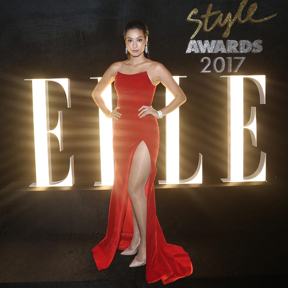 Hoa hậu Mỹ Linh, á hậu Huyền My đẹp cạn lời trong những chiếc đầm bá chủ thảm đỏ