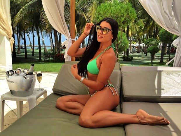 Siêu mẫu Playboy cởi hết vì CLB Palmeiras