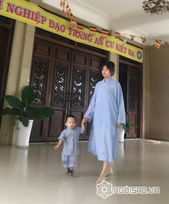 Bố mẹ nổi tiếng đường ai nấy đi, cuộc sống của những nhóc tỳ nhà sao Việt này ra sao?