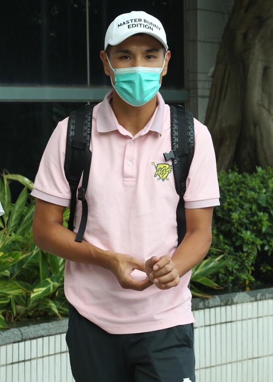 Mỹ nam TVB Trần Triển Bằng sống thử với bạn gái kém 13 tuổi