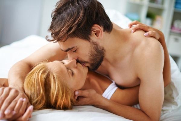 Khi yêu phụ nữ hãy học gái hư hành động này đảm bảo chàng say mê cả đời và luôn khao khát
