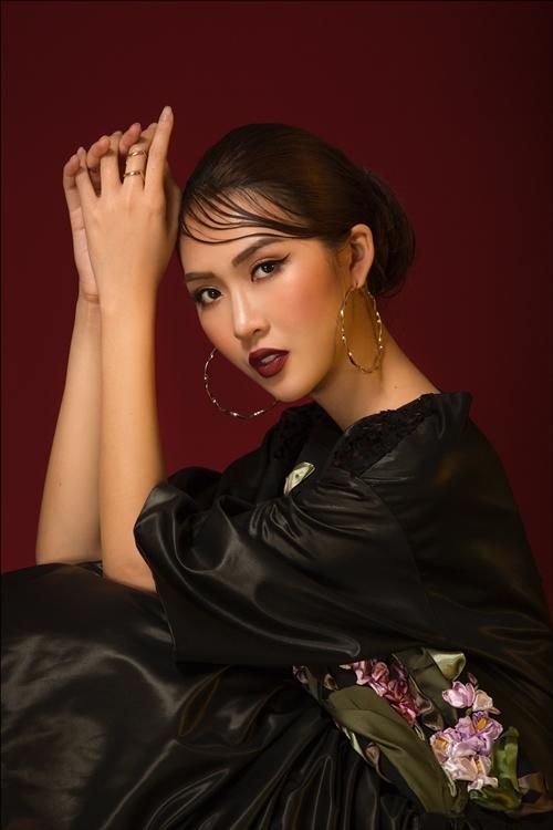 Tường Linh The Face đẹp bí ẩn trước khi dự thi nhan sắc quốc tế