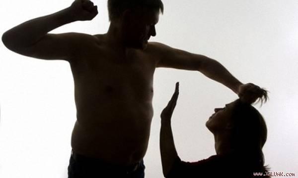 Uất nghẹn với mẹ chồng: 'Đã là vợ, chồng đánh cũng không được cãi'