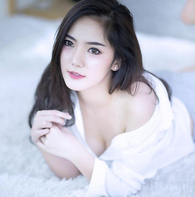 2 búp bê Thái Lan khiến vạn mày râu đổ gục vì quá gợi cảm