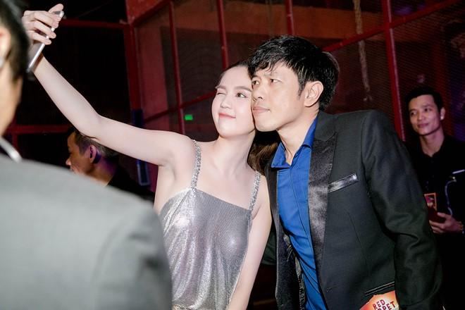 Ngọc Trinh gây choáng váng với chiếc váy siêu ngắn đầy khiêu khích tại Đà Nẵng