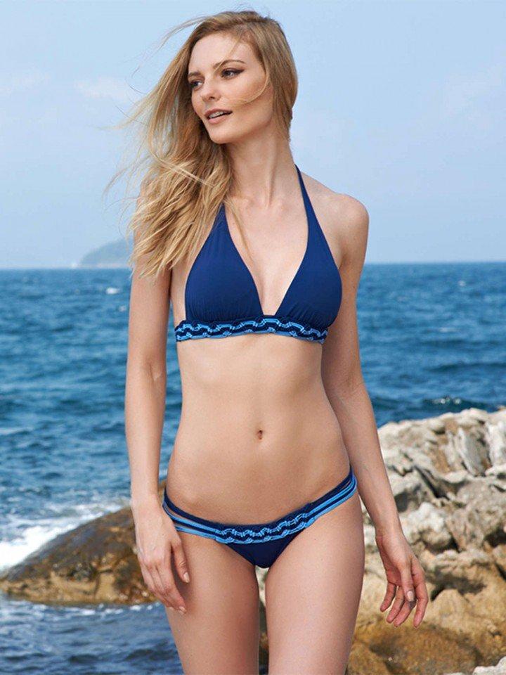 Người mẫu Brazil sở hữu thân hình xinh như ngọc