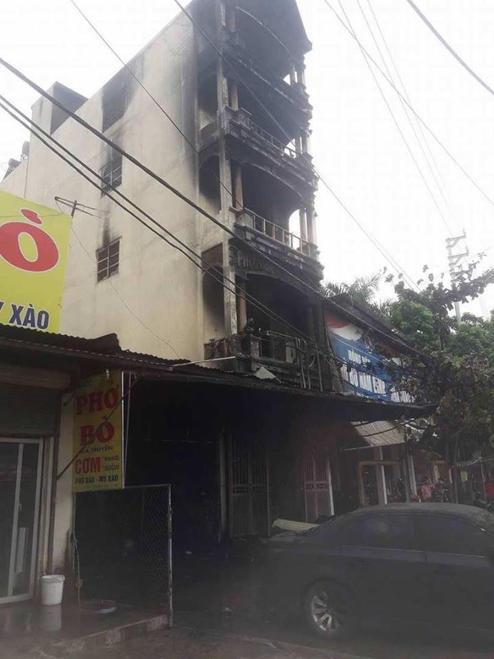 Hà Nội cháy nhà 5 tầng lúc nửa đêm, 2 chị em tử vong - Hình 2