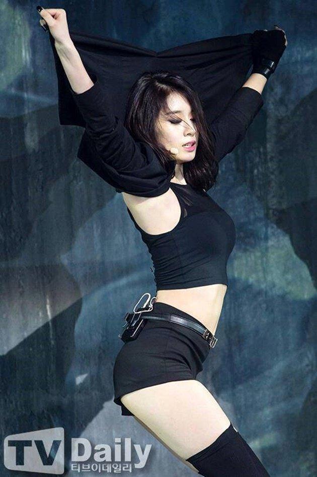Jiyeon - Mỹ nữ thiêu đốt làng giải trí Hàn Quốc