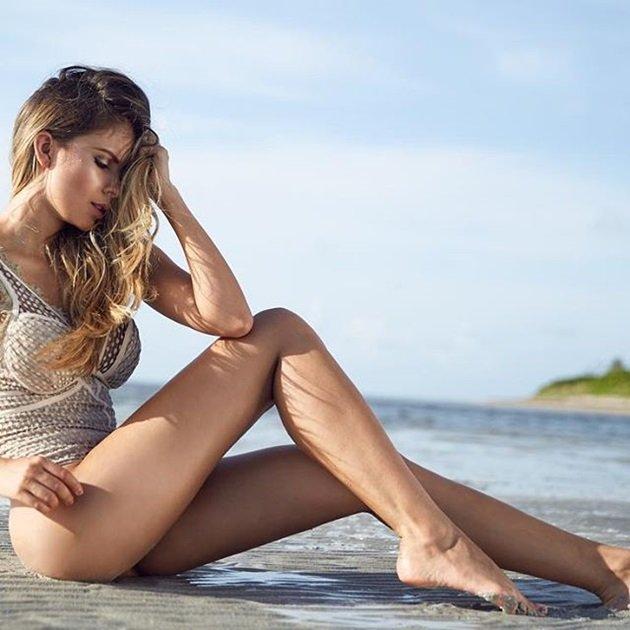 Karin Jimenez, cô vợ gợi cảm của sao PSV