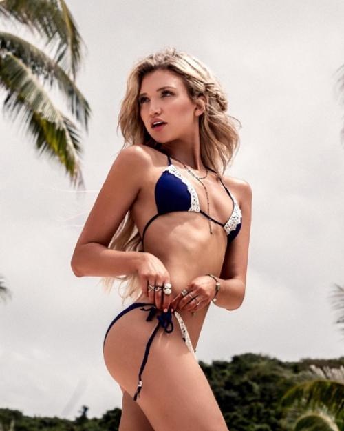 Nàng kình ngư kiếm bộn tiền nhờ làm mẫu bikini sau giải nghệ