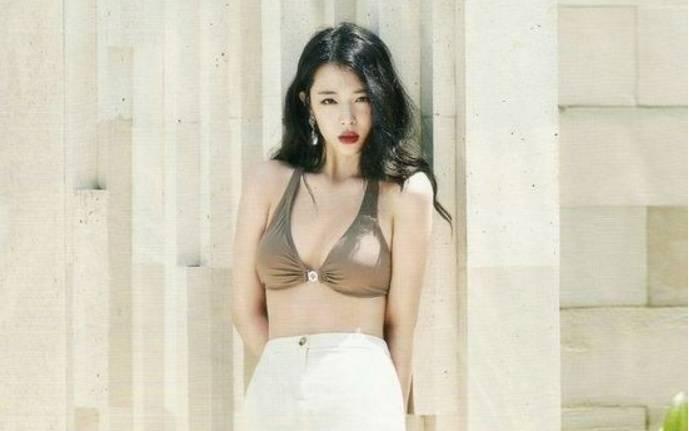 Những hình ảnh quá đỗi sexy của Choi Sulli