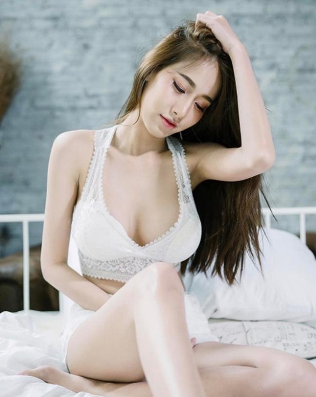 Thiên thần trắng toát siêu sexy mọi đàn ông Thái Lan đều khao khát