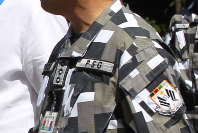 Vệ sĩ Tổng thống Philippines trúng đạn giữa ngực thiệt mạng - Hình 1