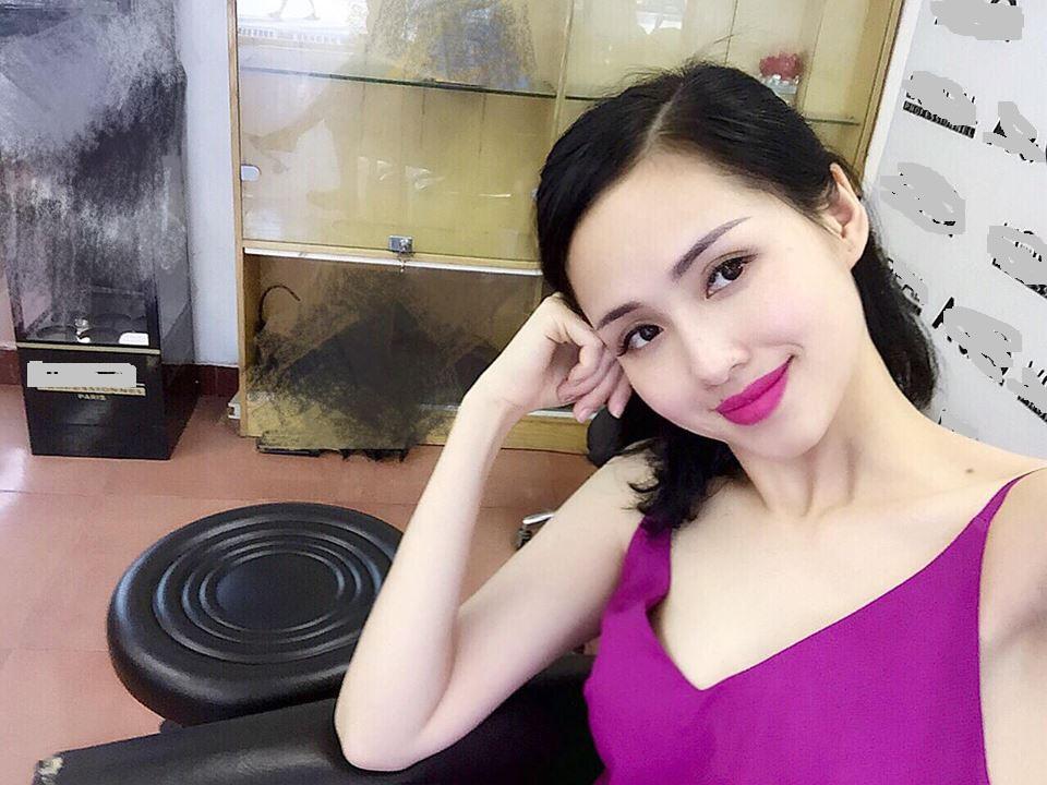 Giữa bão thị phi Tâm Tít vẫn là mẹ 2 con quyến rũ nhất showbiz Việt - Hình 1