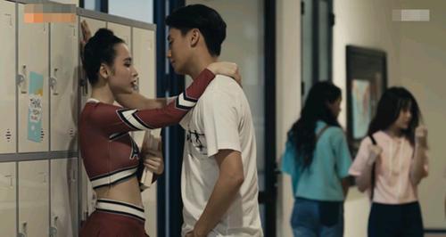 Angela Phương Trinh trót ân ái với Hữu Vi trong Glee tập 2
