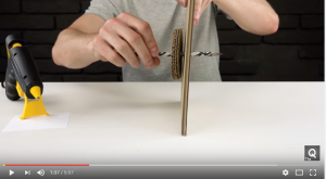 Cách làm máy bán kẹo tự động bằng bìa cứng