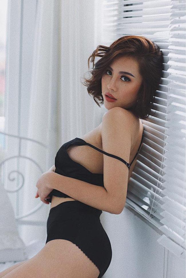 Đẫy đà mơn mởn, hot girl Quảng Ninh vẫn bại dưới tay cô gái chân khoèo