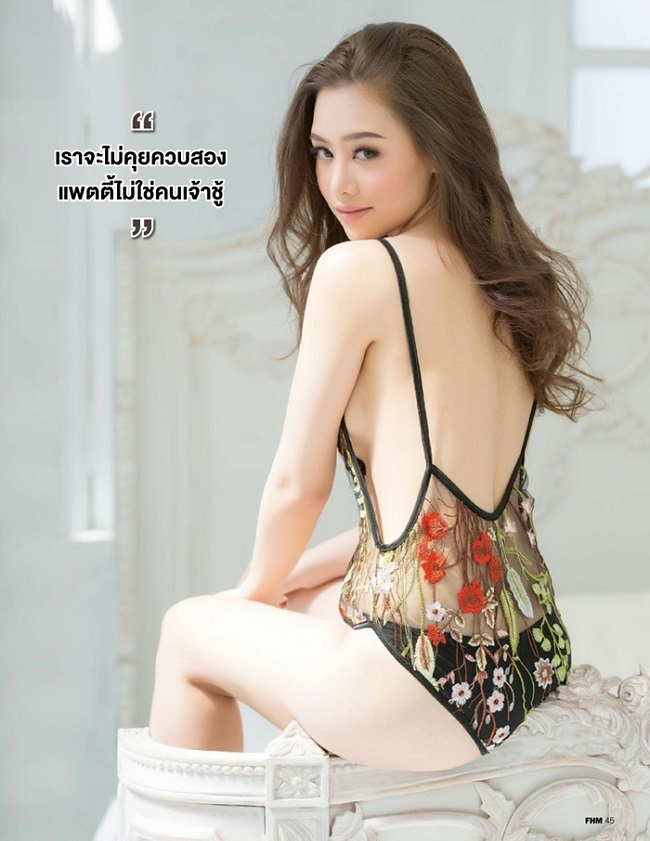 Gái Thái Lan đua nhau mặc áo tắm hở mạn sườn táo bạo