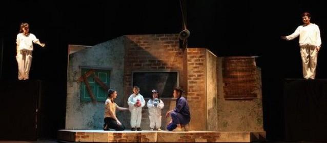 Táo Giao thông Chí Trung: Mỗi khi tôi nhận lương là cả nhà hát lườm