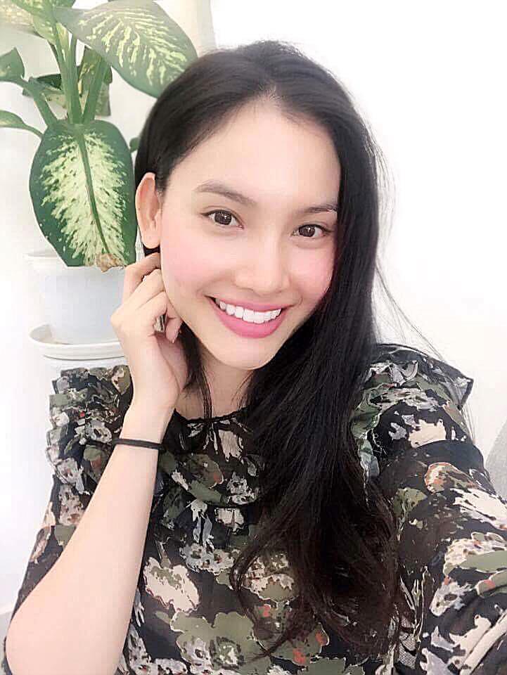 Xuất hiện cô gái có nụ cười sáng bừng một khúc sông tại Hoa hậu Hoàn vũ Việt Nam