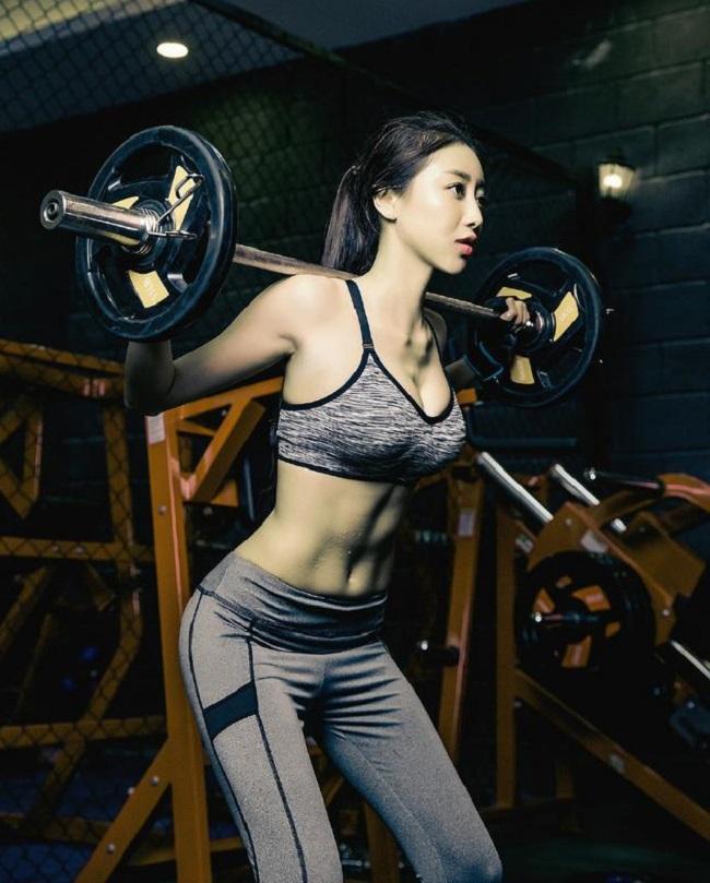 Dàn kiều nữ nóng bỏng mắt khiến anh em muốn lao đến phòng gym