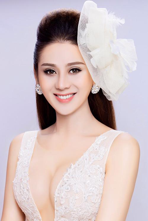 Rùng mình vì Lâm Khánh Chi tiết lộ dao kéo tạo bộ phận sinh dục