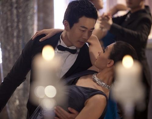 Những sao Hoa ngữ mặt dày đòi hôn trong phim